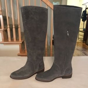 UGG DaleyTall boots